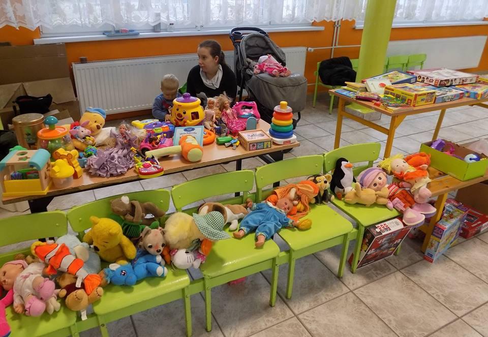 Kiermasz zabawek na leczenie i rehabilitację Szymka