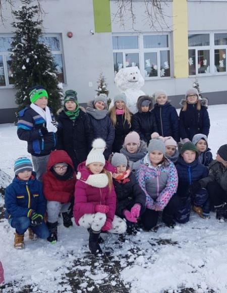 Zabawy na pierwszym śniegu – kl. III a