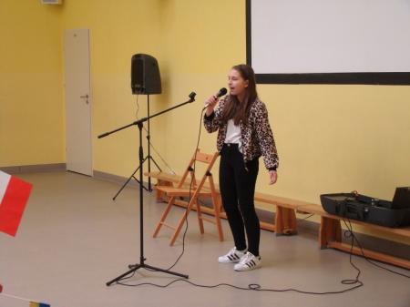 Nikola Szymczak zwyciężczynią Powiatowego Konkurs Piosenki Angielskiej