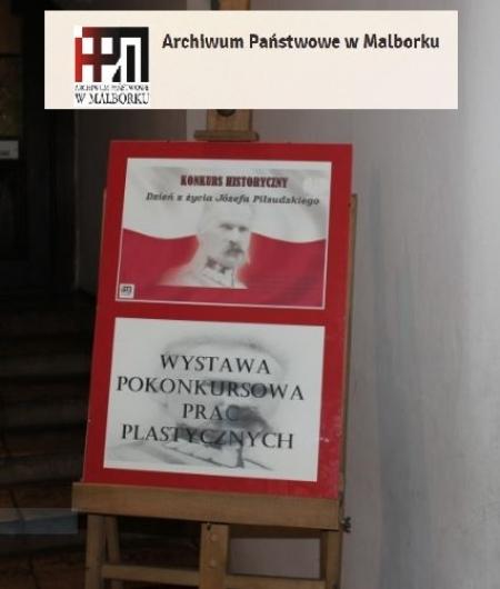 Magda i Ola uczestniczki konkursu o ,,Dniu z życia J. Piłsudskiego ''.