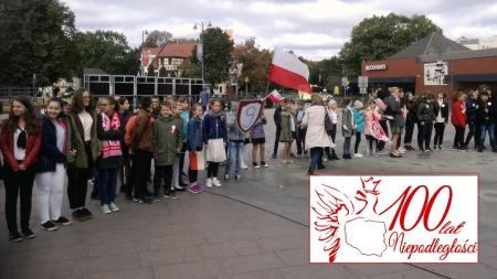 Śpiew dla 100 lecia - Niepodległej na placu Kazimierza Jagiellończyka