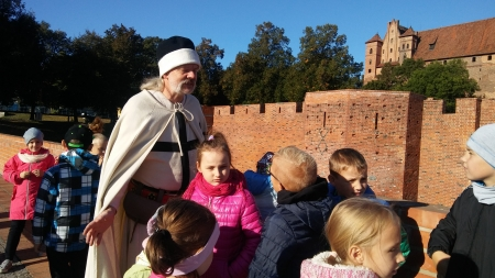 Wojskowość krzyżacka - fakty i mity na zamku z kl.II c