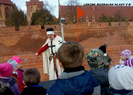 Lekcja muzealna klasy 2 b na zamku malborskim