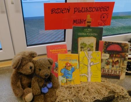 Biblioteka szkolna świętuje Dzień Pluszowego Misia