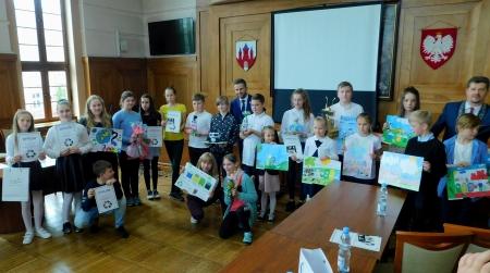 Nagrody za akcję ,,Czysty Malbork'' w Urzędzie Miasta