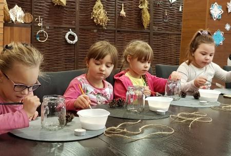 Wyrabianie pierniczków przez ,,zerówkowiczów '' w Szkole Łacińskiej