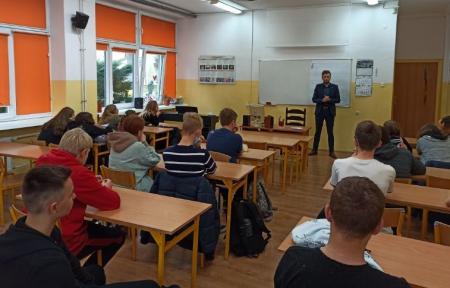 Zajęcia z wiedzy obywatelskiej z przewodniczącym Rady Miasta Malborka