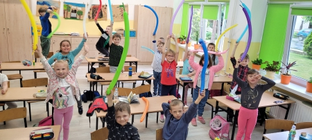 Dzień Dziecka w klasie I b - z lodami i kartami