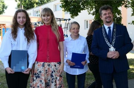 Zuzanna Koziura nagrodzona przez burmistrza miasta